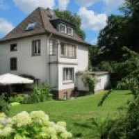 269-Haus-mit-Garten-160x120